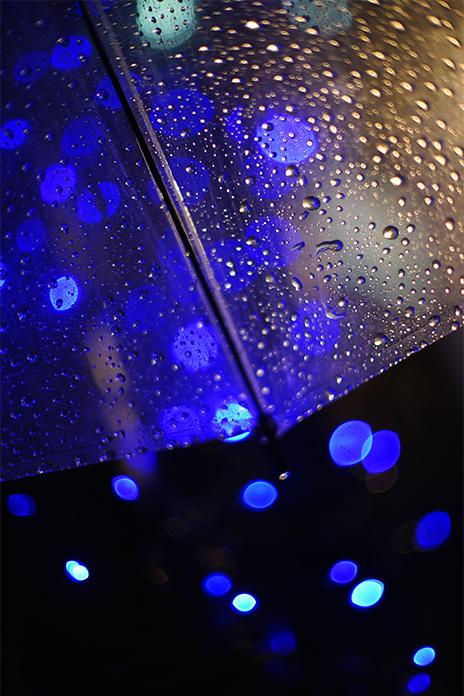「ビニール傘越しの宝石」